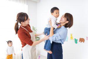 ベビーシッターとお子様とママ